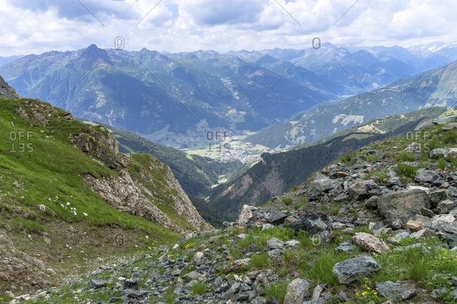 Europe, austria, tyrol, east tyrol, kals am großglockner, view from the sudetendeutsche hohenweg towards matrei in east tyrol