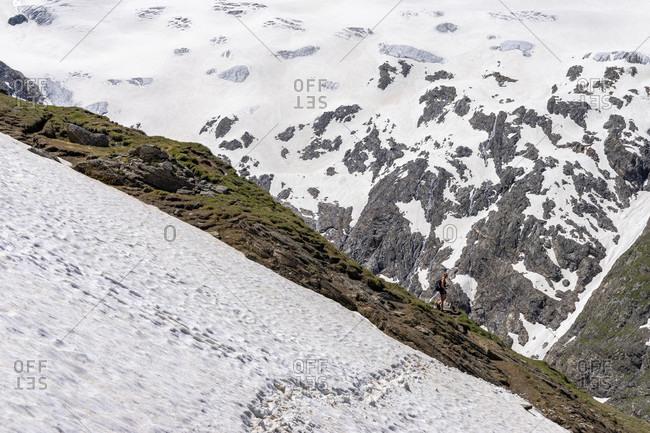 Europe, austria, tyrol, otztal alps, otztal, hiker in front of the rotmoosferner