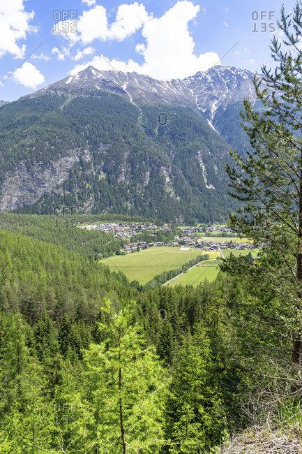 Europe, austria, tyrol, otztal alps, otztal, view of the hemerkogel and the village of winklen in the otztal