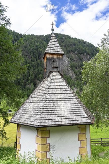 Europe, austria, tyrol, otztal alps, otztal, small chapel near aschbach in the otztal