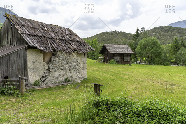 Europe, austria, tyrol, otztal alps, otztal, old houses on a meadow near brunau