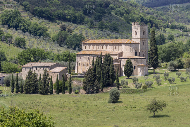 The Sant'Antimo Abbey is about 1 km north of Castelnuovo dell'Abate in the Tuscan province of Siena, Italy and is a canon of the Premonstratensian canons.