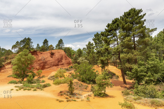 Le Colorado Proven�al, Rustrel, exceptional desert landscape with yellow & red rock formations in former ocher pits with hiking trails