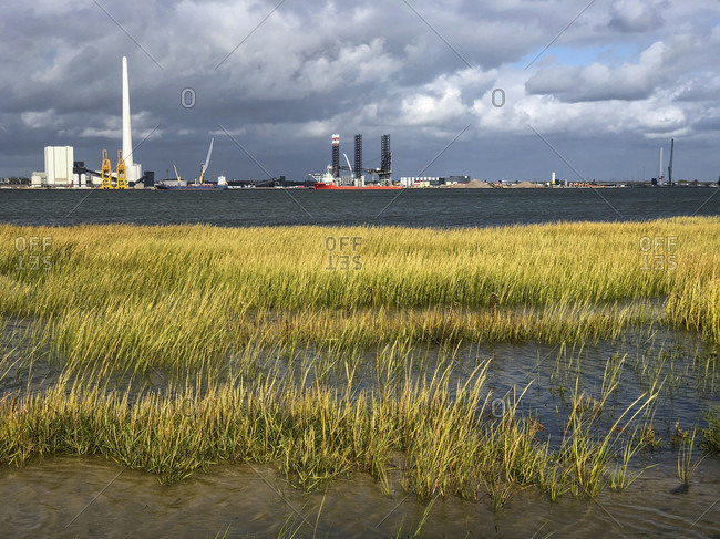 Disembarkation port for wind turbines, wind energy, energy transition, sustainability, industry