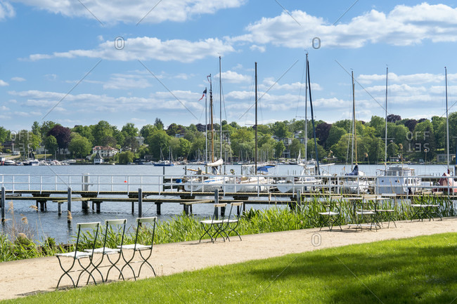 Berlin, Wannsee, Liebermann Villa, garden, riverside path with chairs, sailing port