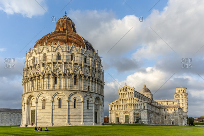 Baptistery, Cathedral of Santa Maria Assunta and Campanile (Leaning Tower), Piazza del Duomo, Pisa, Tuscany, Italy