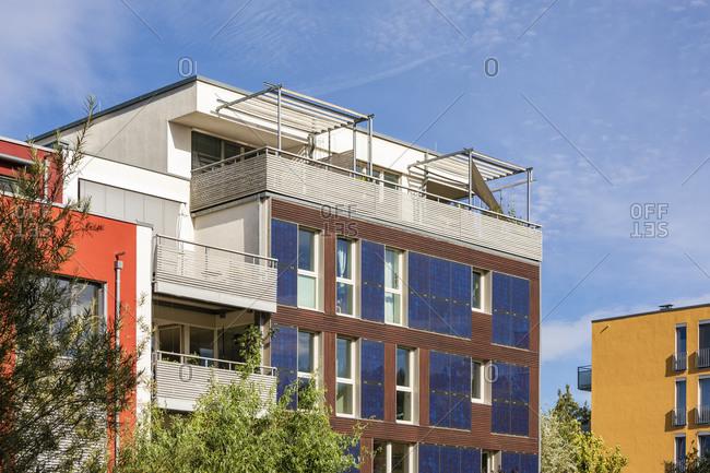 Germany- Baden-Wurttemberg- Tubingen- Modern energy efficient apartment buildings in Muhlenviertel suburb