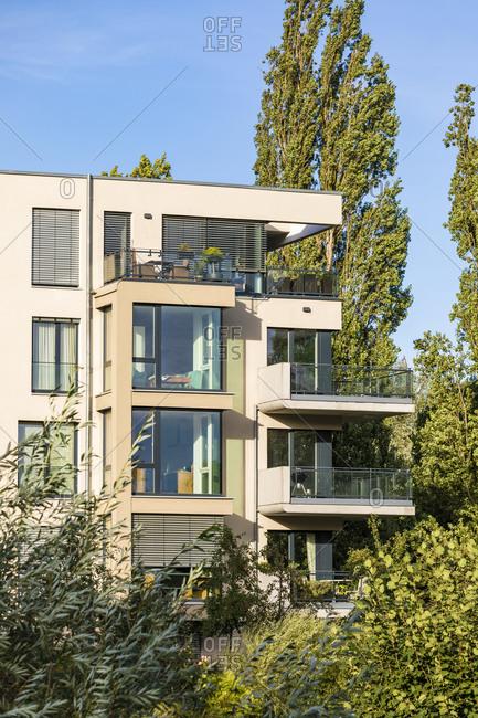 Germany- Baden-Wurttemberg- Tubingen- Modern energy efficient apartment building inLustnauquarter