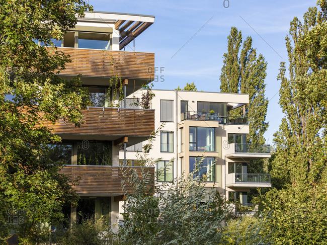 Germany- Baden-Wurttemberg- Tubingen- Modern energy efficient apartment buildings inLustnauquarter