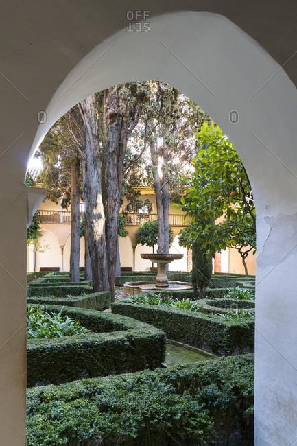 Granada (spain), alhambra, palacios nazaries, patio de lindaraja, garden