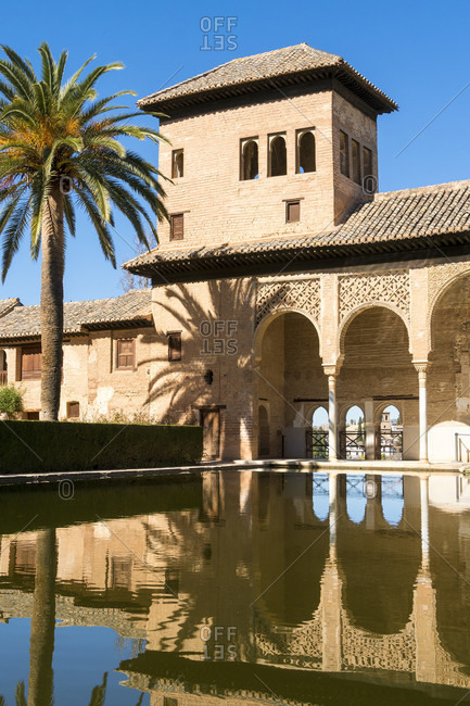 Spain, granada, alhambra, partal, torre de las damas, lady tower, reflection
