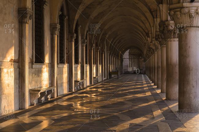 Colonnade, st. mark's square, doge's palace, st. mark's square, venice, veneto, italy