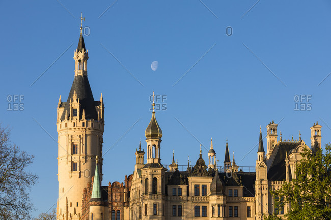 Full moon over the towers of schwerin castle, schwerin, mecklenburg-west pomerania, Germany