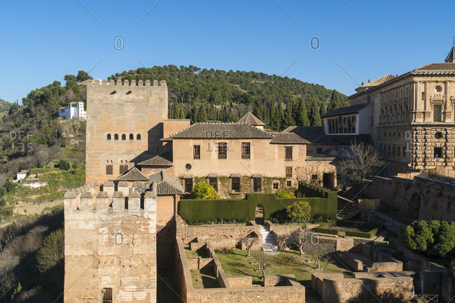 Spain, granada, alhambra, alcazaba, view of the patio de machuca / mexuar