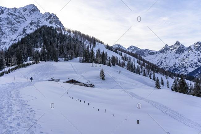 Europe, Austria, berchtesgaden alps, salzburg, werfen, ostpreussenhütte, bluhnteckalm in a snowy winter landscape in front of folklore and alblegg