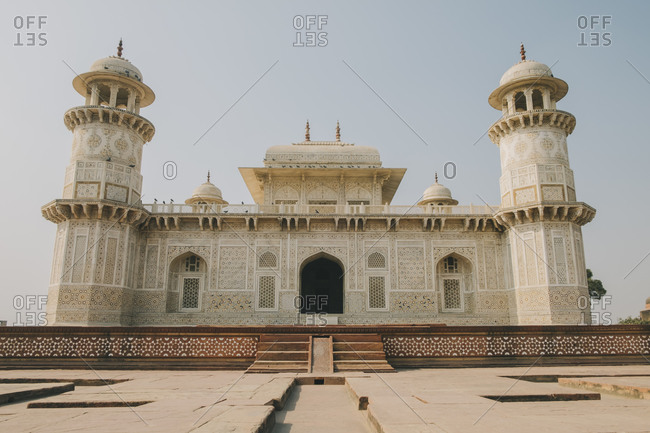 Itmad-ud-Daula, known as the baby Taj, Mughal style white marble mausoleum, Agra.