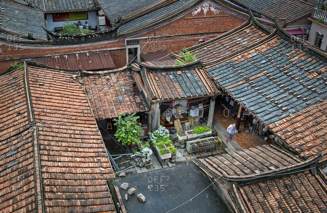 Old curtilage in feng  zhou