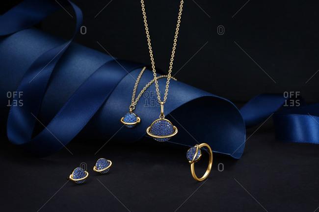 The combination of fashion accessories figure