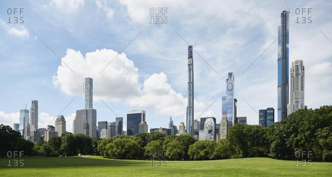 USA, New York, New York City, Skyscrapers around Central Park