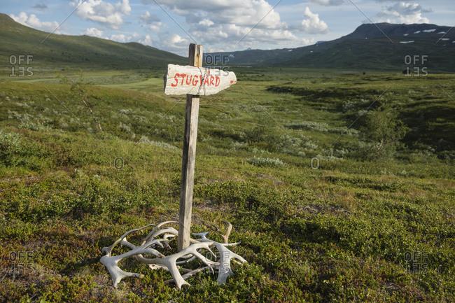 Stugvad - Warden's hut sign for hikers at Darreluoppal - Tarraluoppal hut along Padjelantaleden trail, Lapland, Sweden
