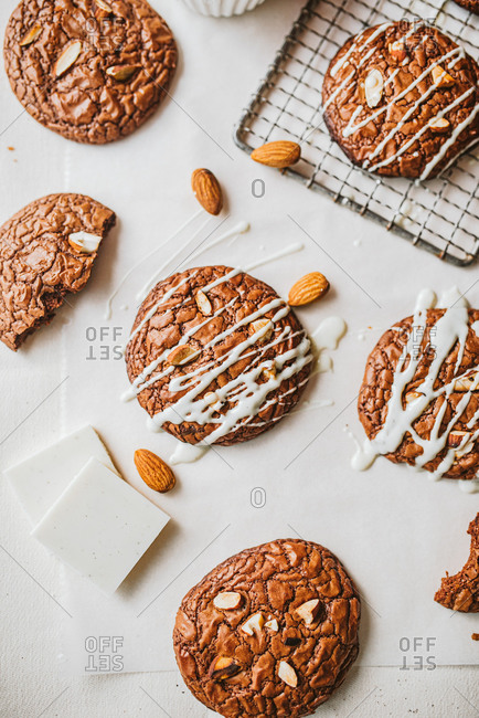 Chocolate cookies with almonds and drizzle