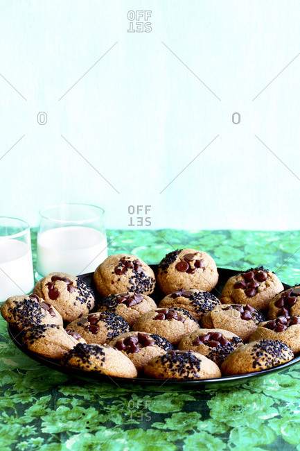 Toasted sesame chocolate chip cookies
