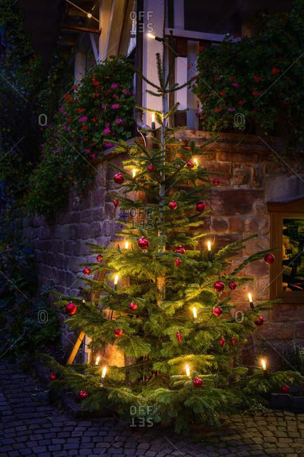 Germany, Rhineland-Palatinate, Southern Palatinate, Gleiszellen-Gleishorbach, Christmas decoration in the Gleiszellen district.