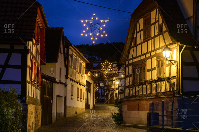 Germany, Rhineland-Palatinate, Southern Palatinate, Gleiszellen-Gleishorbach, Christmas decoration in the Gleiszellen district, the Winzergasse.