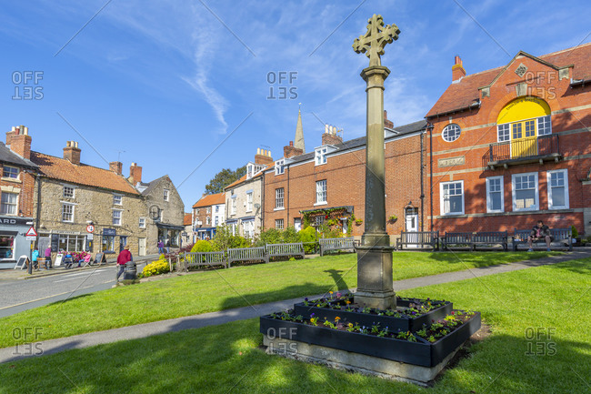 September 29, 2020: View of Memorial Cross in gardens on Smiddy Hill, Pickering, North Yorkshire, England, United Kingdom, Europe