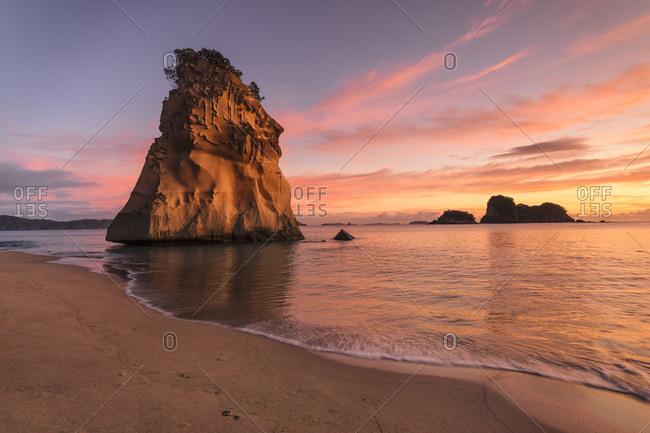 Cathedral Cove at sunrise, Cathedral Cove Marine Reserve, Coromandel Peninsula, Waikato, North Island, New Zealand, Pacific