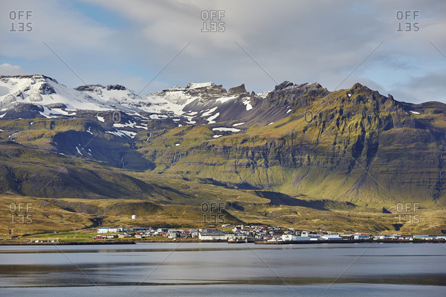 A classically rugged landscape overshadows the town of Grundarfjordur, on the Snaefellsnes peninsula, western Iceland, Polar Regions