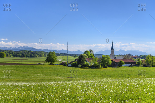 Germany, bavaria, upper bavaria, tiler land, eagling, feldkirchen district, town view with spring meadow