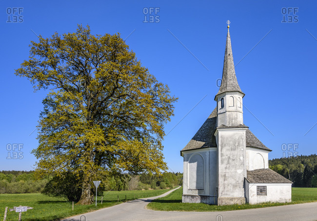 Germany, bavaria, upper bavaria, tiler land, eagling, harmating district, st. leonhard chapel