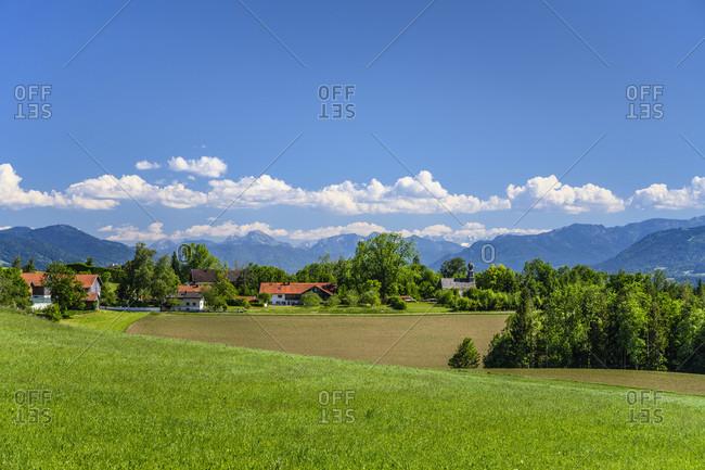 Germany, bavaria, upper bavaria, tiler land, dietramszell, rampertshofen district, view from peretshofer home towards the alpine chain