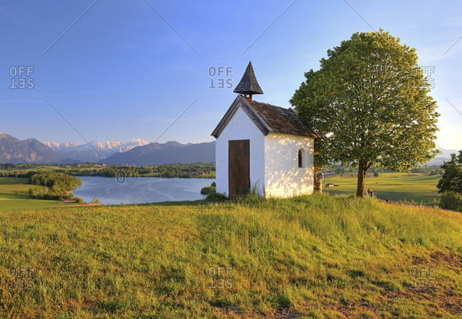 Chapel on the aidlinger home above the riegsee, aidling, das blaue land, upper bavaria, bavaria, germany