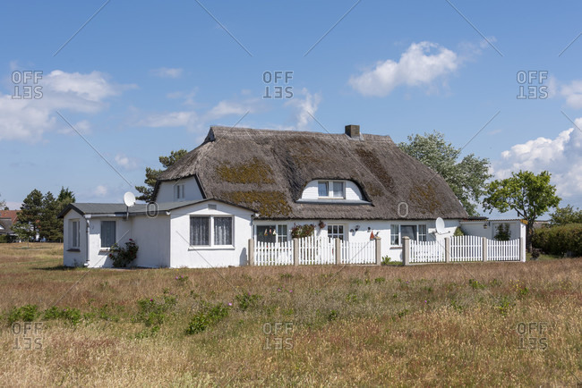 Germany, mecklenburg-west pomerania, hiddensee, thatched house, fishing village neuendorf.