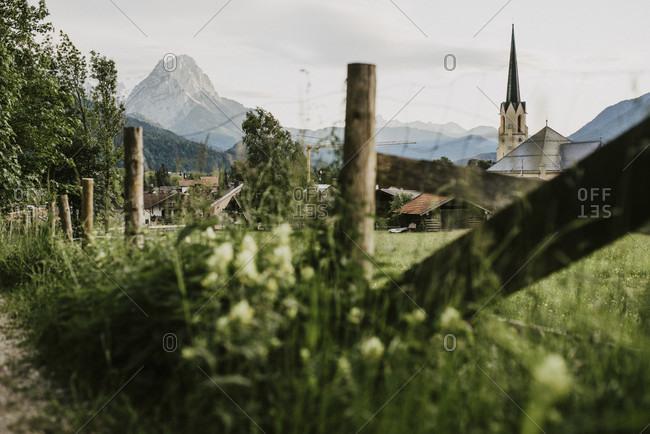 Meadow, parish church of the assumption, walk through partenkirchen