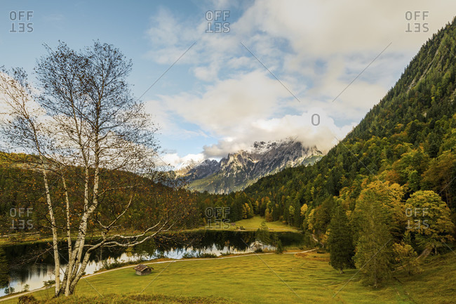 View of the south bank of the ferchensee and the northern karwendel, above mittenwald in early autumn