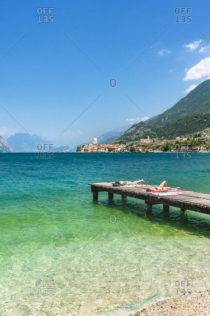 Beach on the lakefront in Malcesine