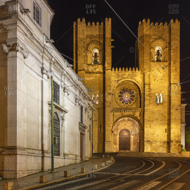 Portugal- Lisbon District- Lisbon- Empty street in front of Lisbon Cathedral at night