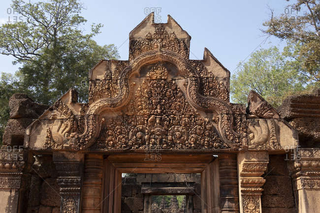 Bas-relief on the walls of Banteay Srei
