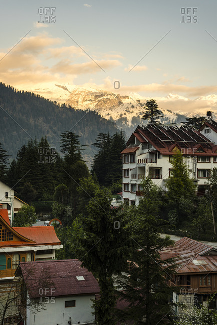 India- Himachal Pradesh- Manali- Alpine town at dusk