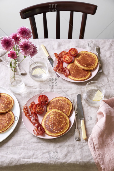 Breakfast Pancakes with Bacon and Grilled Tomatoes