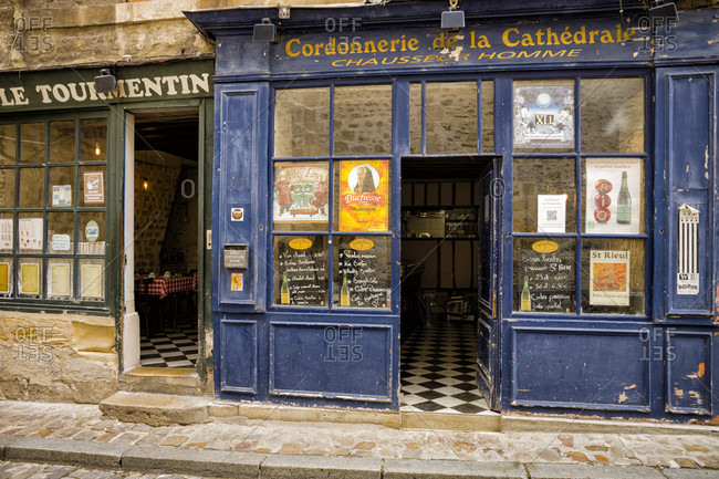 July 15, 2020: Bar in the old town of Senlis