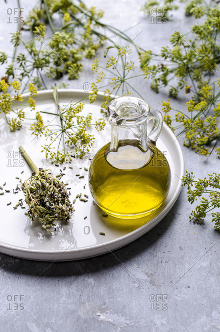 Olive oil with fennel seeds
