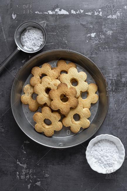 Canestrelli Italian Butter Cookies in a baking tin
