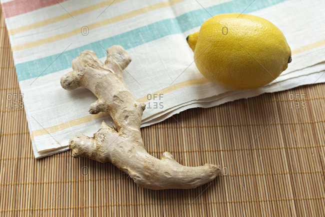 Whole lemon and ginger root