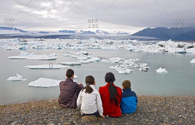 family admiring the view of the mighty Vatnajokull glacier