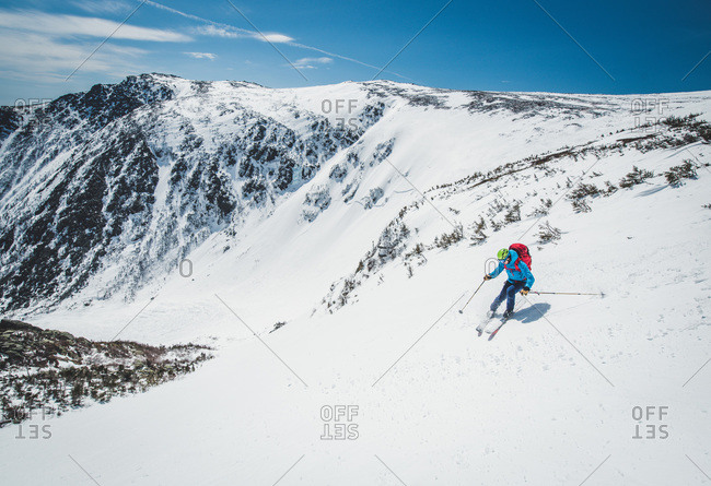 Man skier turning in tuckerman ravine, new hampshire