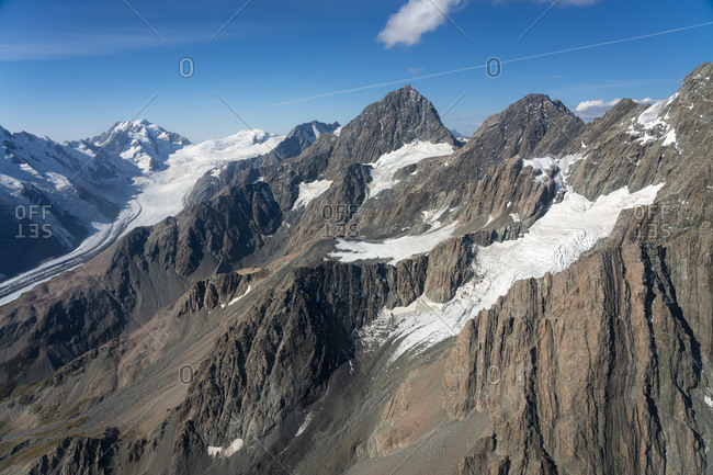 Aerial view of mountain ranges in mount cook national park, mackenzie district, canterbury, south island, new zealand
